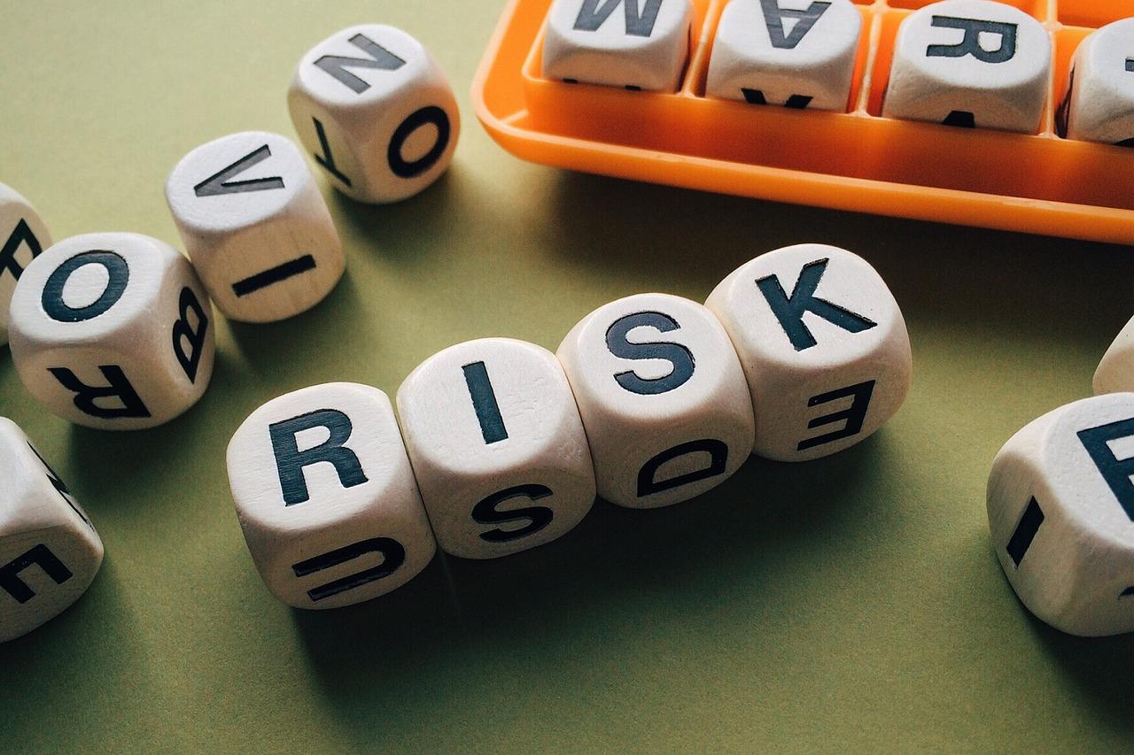 サイコロでリスクの文字